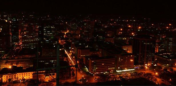 Nairobi+by+night+